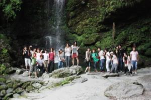 祖谷のかずら橋・びわの滝で記念撮影